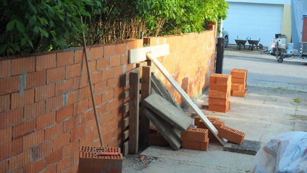 Baumassnahmen: 05'14 - Mauerbau 1